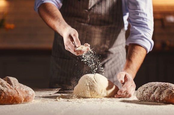 Pain fabriqué avec de la farine locale
